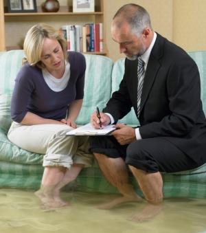 Как вызвать независимую экспертизу в квартиру после затопления?
