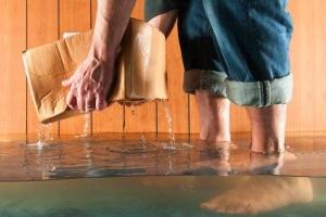 Сколько нужно воды, чтобы затопить соседей снизу?