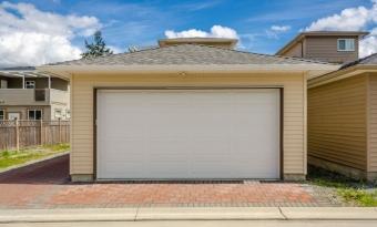 Как зарегистрировать старый гараж на даче без кадастровых документов
