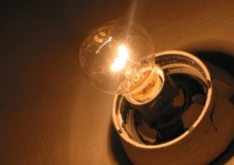 Что делать, если моргает свет в квартире?