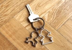 Что влияет на получение налогового вычета при покупке квартиры супругами?