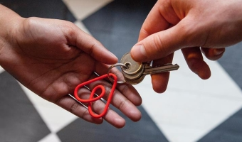 Имеет ли право военнослужащий сдавать квартиру в аренду?