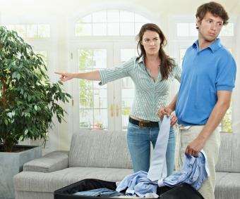 Как выписать бывшего мужа из квартиры после развода без его согласия?